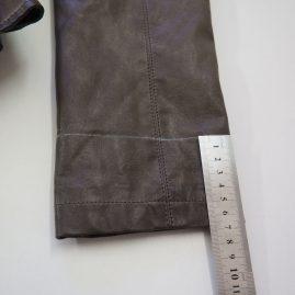 Skracovanie rukávov na koženom saku